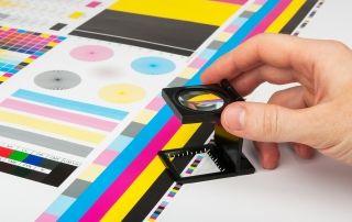 Beneficios marketing impreso vs marketing digital